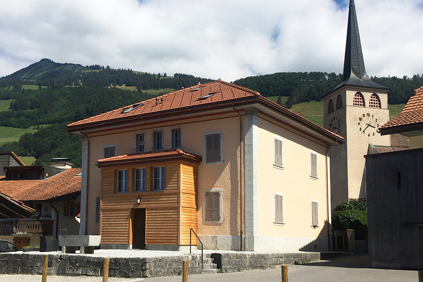 Cure Grandvillard façade ouest